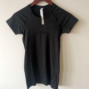 Black Lululemon tee shirt